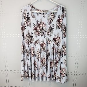 Free People | Floral vneck Top